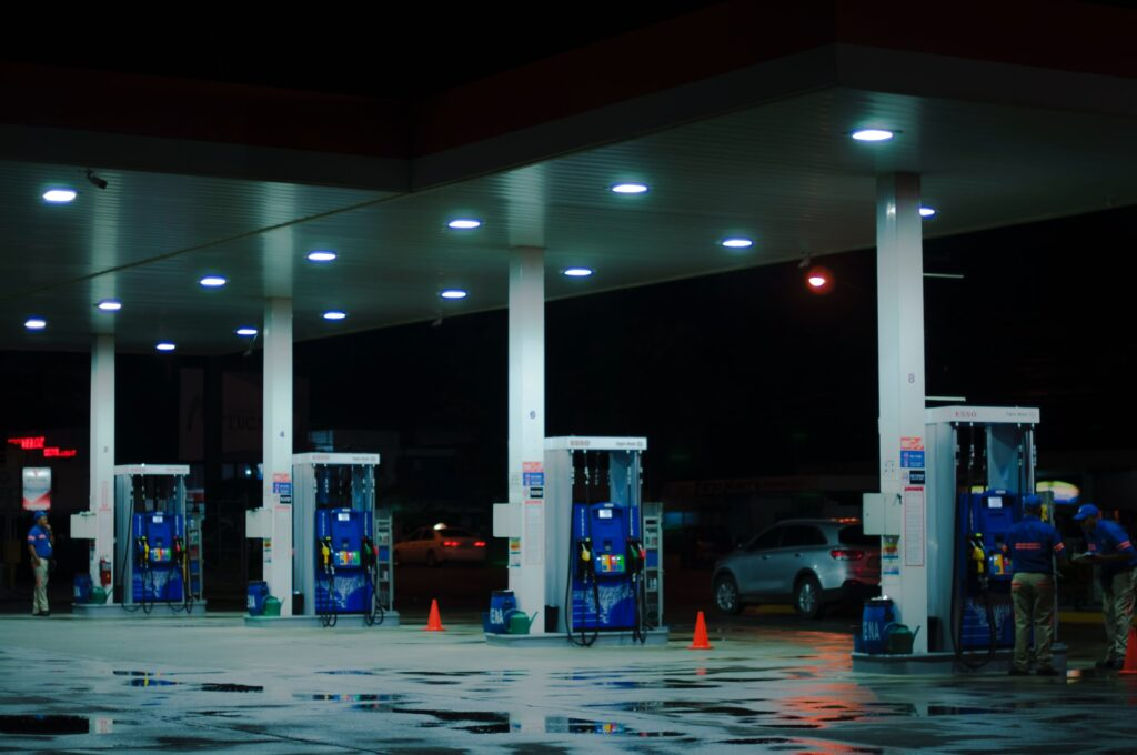 Petroleum rate in Pakistan: Good news! In Pakistan after some days the price of petrol will fall
