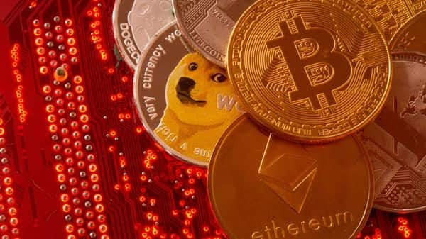 Bitcoin is legal in Pakistan? Wow! now bitcoin will be increases upto 50,000 dollars in coming some days